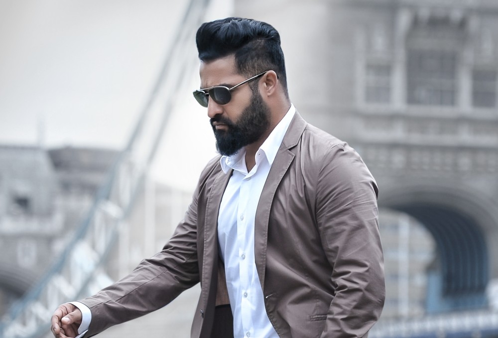 Look What Indian Men Are Doing To Get Beard In Shape
